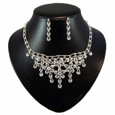 Beaded Diamante Flower Necklace Set